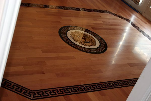 Hardwood Installation with a Medallion in the Floor