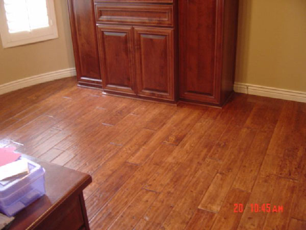 Hand scraped and distressed hardwood flooring for Hardwood floors examples